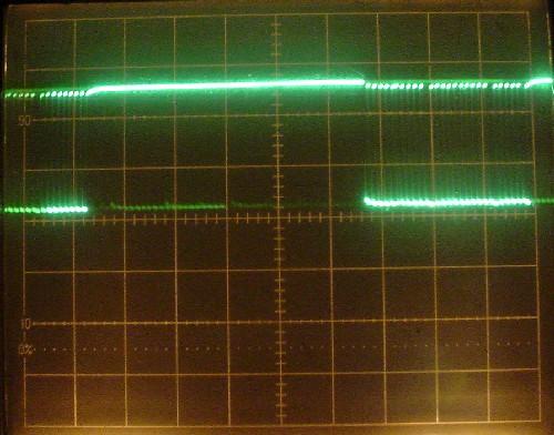 パスコンなしの出力波形